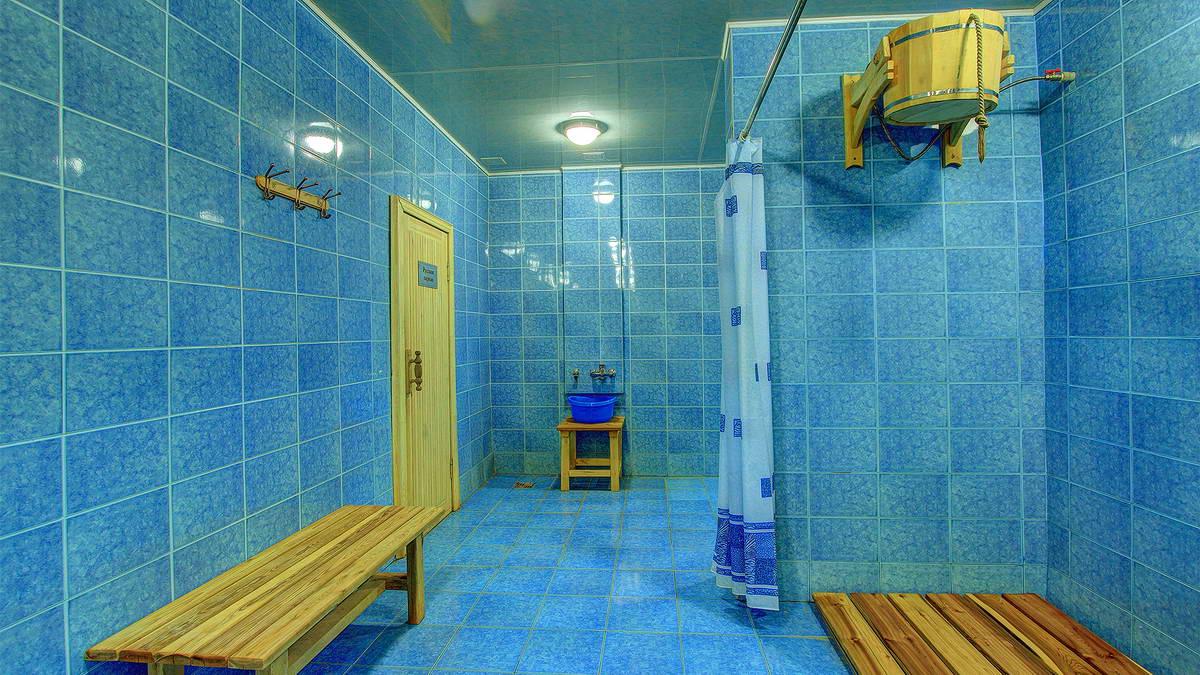 Смотреть бесплатно общая мужская баня 2 фотография
