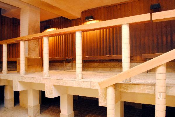 Женские душевые кабины скрытая камера в женских отделениях бани